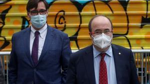 El ministro de Cultura, Miquel Iceta, junto al líder de los socialistas catalanes, Salvador Illa