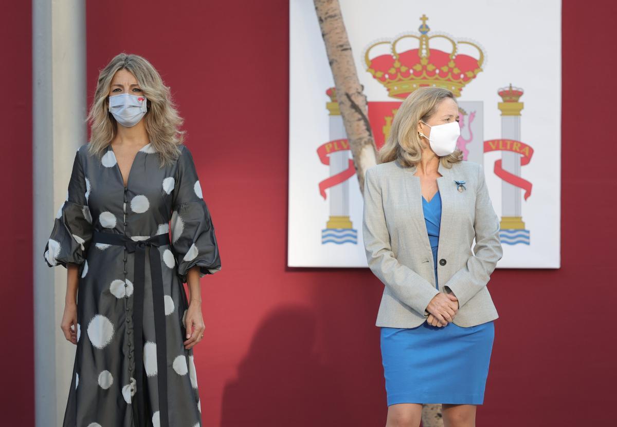 La vicepresidenta segunda del Gobierno y ministra de Trabajo y Economía Social, Yolanda Díaz, y la vicepresidenta primera del Gobierno y ministra de Asuntos Económicos, Nadia Calviño.