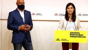 La portavoz de ERC, Marta Vilalta, junto a Raül Romeva